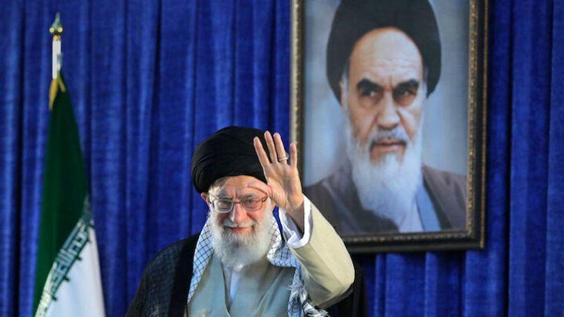 Trump anuncia sanciones contra el ayatolá Jomeini (que murió en ...