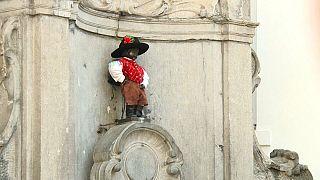 Bruxelles capitale della canicola: ha caldo anche il Manneken-Pis