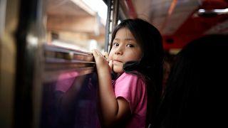 Niña deportada de Estados Unidos en Ciudad Juárez, México