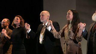 John Malkovich leva assédio sexual ao palco