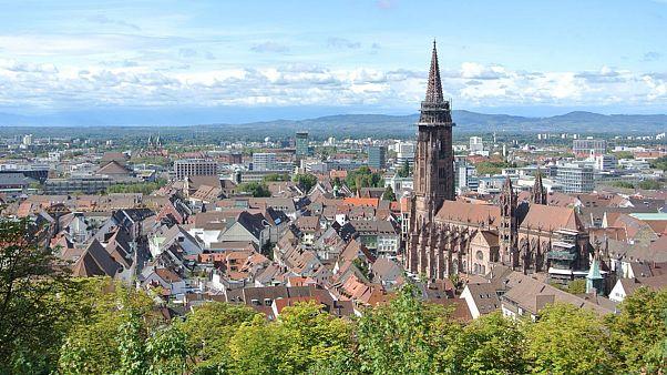 محاکمه یازده مرد عمدتاً سوری در آلمان به دلیل تجاوز گروهی به یک زن ۱۸ ساله