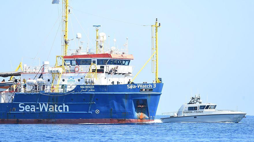 Sea Watch 3 força entrada em águas italianas
