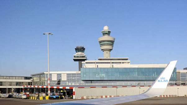 Az Amszterdam Schiphol Airport irányítótornya