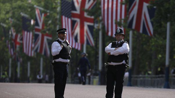 شرطيان في لندن