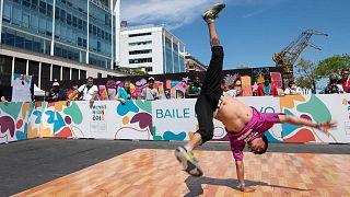 Démonstration de breaking lors des Jeux olympiques de la jeunesse à Buenos Aires, le 10 octobre 2018