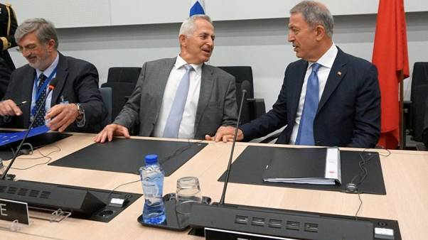 Αποστολάκης: Επιζητούμε την ειρήνη, αλλά δεν κάνουμε πίσω