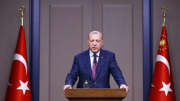 Türkiye Cumhurbaşkanı Recep Tayyip Erdoğan, Japonya'nın ev sahipliğinde Osaka'da yapılacak 14'üncü G20 Liderler Zirvesi'ne katılmak için bu ülkeye gitti.