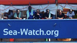 """Rettungsschiff """"Sea Watch 3"""" vor Lampedusas Hafen gestoppt"""