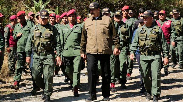 نیکلاس مادورو و نظامیان ارتش ونزوئلا-آرشیو
