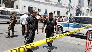 Double attentat-suicide dans le centre de Tunis, un mort et des blessés