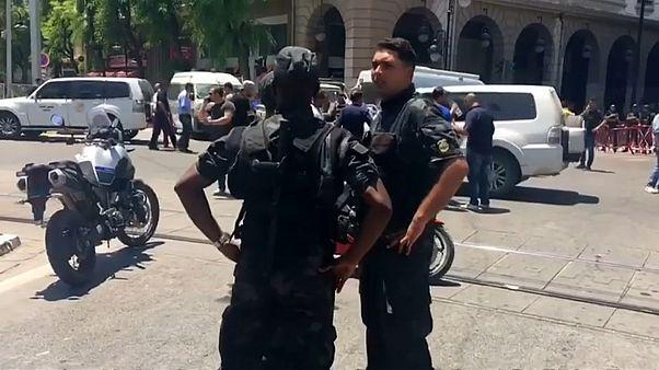 IS bekennt sich zu Selbstmordanschlägen von Tunis