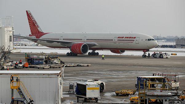 بوئینگ شرکت هواپیمایی ایر ایندیا در فرودگاه لندن