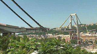 Genova: giù due pilastri, paura per le polveri