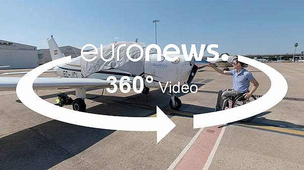 360º video: this school teaches paraplegics how to fly airplanes