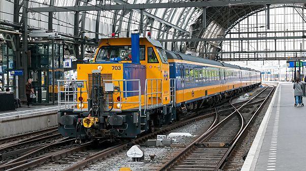 قطار تابع لشركة سكك الحديد الهولندية