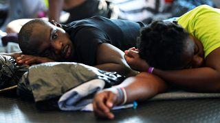 """Les migrants du """"Sea-Watch 3"""" toujours bloqués face à Lampedusa"""