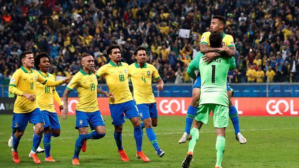 Brasil derrota Paraguai nos penáltis