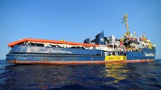 Власти Италии вновь отказались пустить мигрантов на Лампедузу
