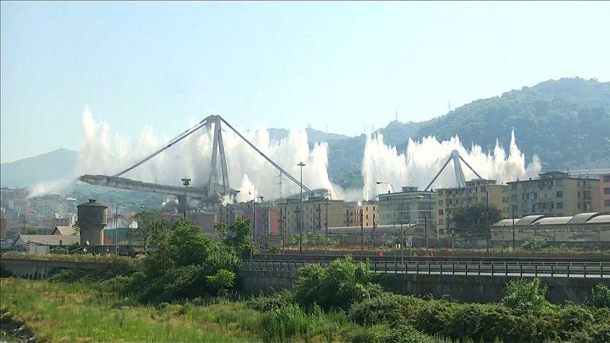 ویدئو؛ انهدام پل جنوای ایتالیا با ۵۵۰ کیلو مادۀ منفجره