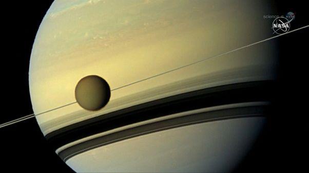 """وكالة الفضاء الامريكية """"ناسا"""" تقرر إرسال """"روبوت"""" إلى تيتان أكبر أقمار زحل"""