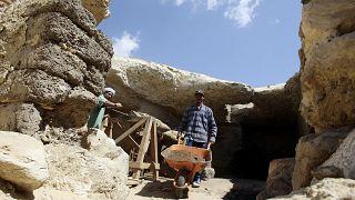 مقبرة أثرية مكتشفة قرب هرم اللاهون بمحافظة الفيوم