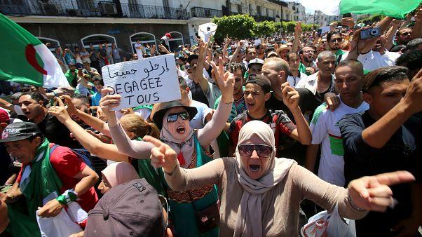 من مظاهرات اليوم في العاصمة الجزائرية