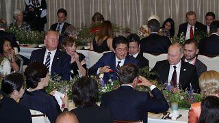 Rätselraten um Putins Becher beim G20-Dinner