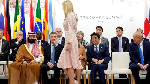 الرئيس الأمريكي ورئيس وزراء اليابان وولي العهد السعودي والرئيس الأرجنتيني وإيفانكا ترامب في قمة العشرين باليابان