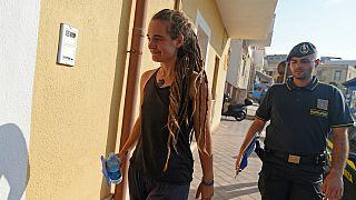 پلیس ایتالیا ناخدای کشتی خیریه حامل پناهجویان را بازداشت کرد