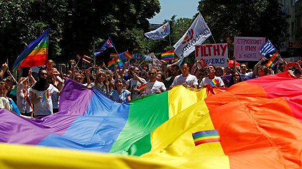 Erste Gay-Pride-Parade zieht durch Skopje
