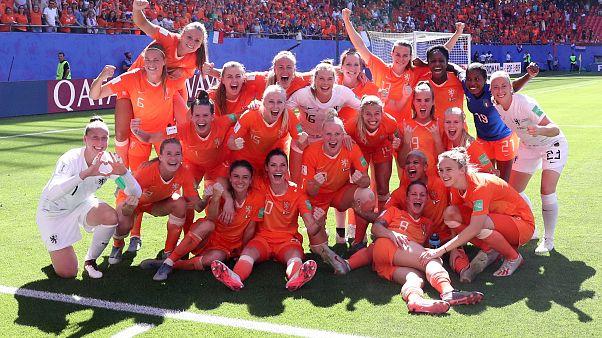 Mondial de foot : les Pays-Bas rejoignent la Suède en demi-finale