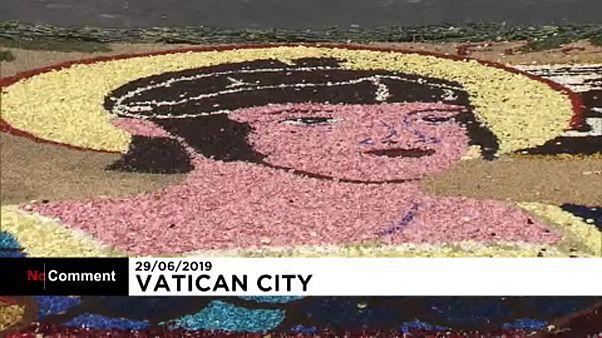 Virágból készült képek a Vatikánban