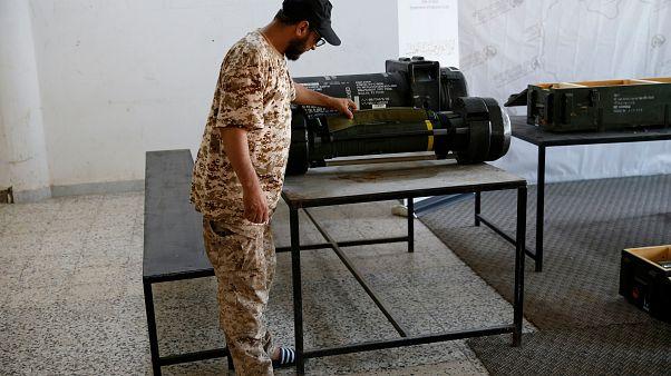 ليبيا: مقاتلون يستولون على صواريخ أمريكية وصينية الصنع من قوات حفتر