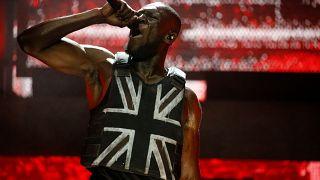 "Rapper Stormzy lässt 100.000 ""F*** Boris"" singen"