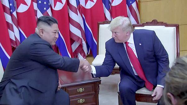 Ιστορική συνάντηση Ντ. Τραμπ- Κιμ Γιονγκ Ουν