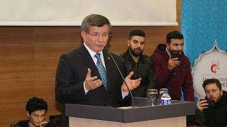 Eski başbakanlardan Ahmet Davutoğlu