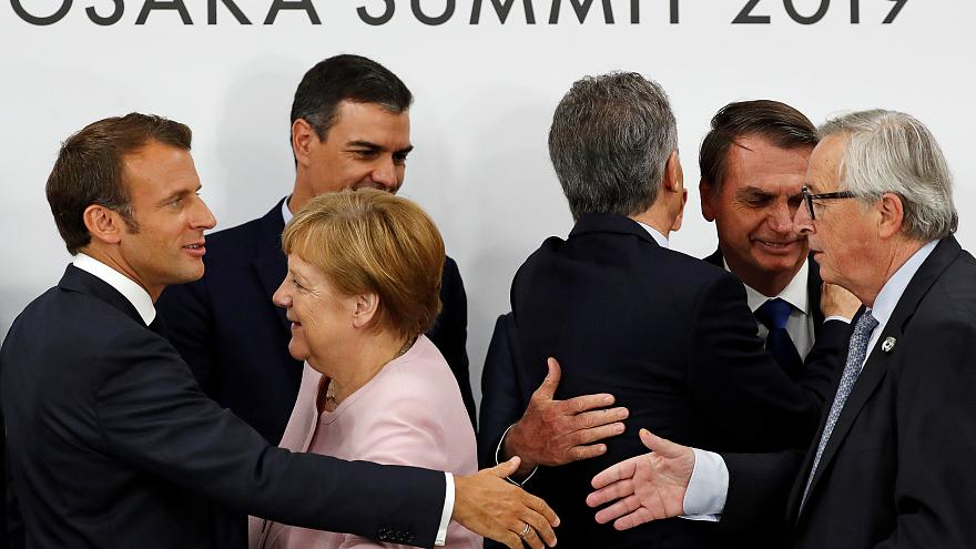 ماکرون: در نشست یکشنبه باید تکلیف سه پست کلیدی اتحادیه اروپا مشخص شود