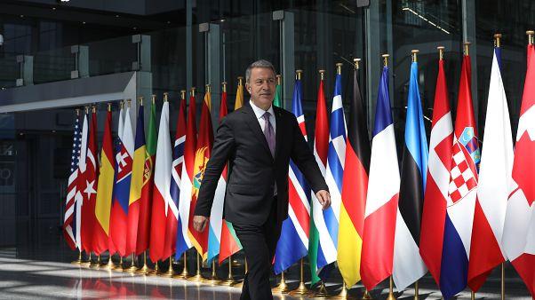 Milli Savunma Bakanı Hulusi Akar, NATO Savunma Bakanları Toplantısı'nın ikinci gün oturumuna katılmak üzere NATO Karargahı'na geldi. ( Arif Akdoğan - Anadolu Ajansı )