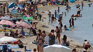 هشدار درباره خطر آفتاب؛ توصیه متخصصین پوست برای استفاده ازکرم ضد آفتاب