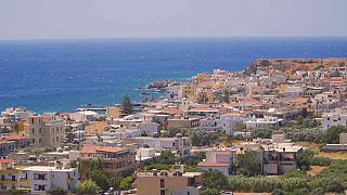 Kréta: Kilátás fúrótornyokkal