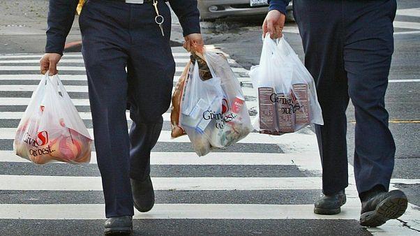 Yeni Zelanda'da tek kullanımlık plastik poşet yasağı yürürlüğe girdi