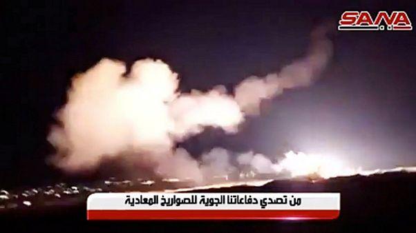 جنگندههای اسرائیلی حومه دمشق و حمص را بمباران کردند