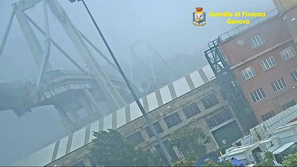 شريط فيديو يوثّق لحظة انهيار جسر جنوة في 14-08-2018