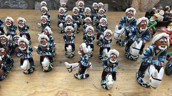 Özbekistan'ın Buhara kentinde Nasreddin Hoca heykelcikleri