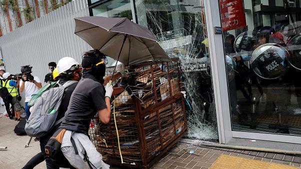 Hongkong: Proteste eskalieren am Jahrestag der Rückgabe an China