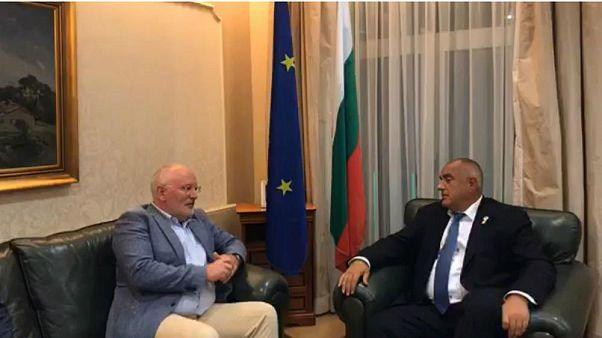 Néppárti manőverezés: Timmermans és a bolgár kormányfő megbeszélése élő adásban