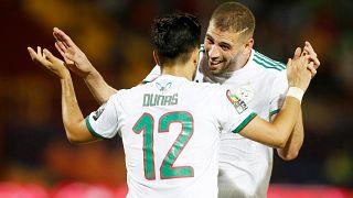 منتخب الجزائر يضرب تنزانيا بثلاثية نظيفة ويتأهل إلى الدور الثاني من منافسات الكان