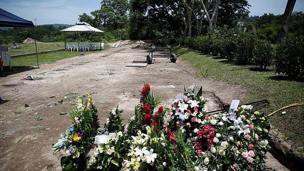 Ελ Σαλβαδόρ: Τελευταίος αποχαιρετισμός για πατέρα και κόρη που πνίγηκαν αγκαλιά στο Ρίο Γκράντε