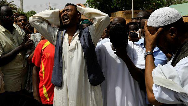 المعارضة السودانية تعلن عن احتجاجات جديدة والإمارات تدعو لتفادي التصعيد