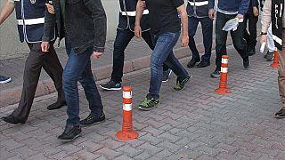 دستور بازداشت ۸۲ نظامی مظنون به همکاری با جنبش گولن در ترکیه صادر شد